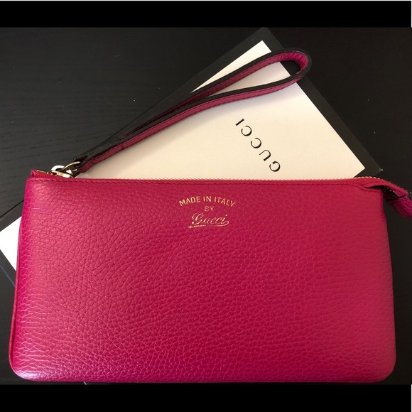 cae70e5bf42 Gucci Handbags - NEW Gucci Leather Fuschia   Pink Wristlet Wallet